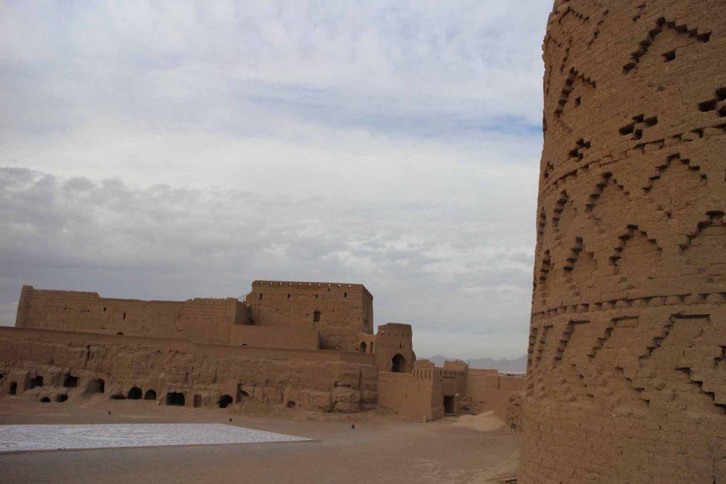 نارین قلعه میبد(تور چک چک میبد)